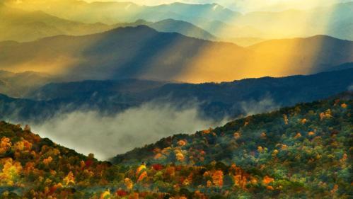 Fall_colors_Great_Smoky_Mountains_North_Carolina_usa_20120922