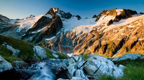 mountains-stream